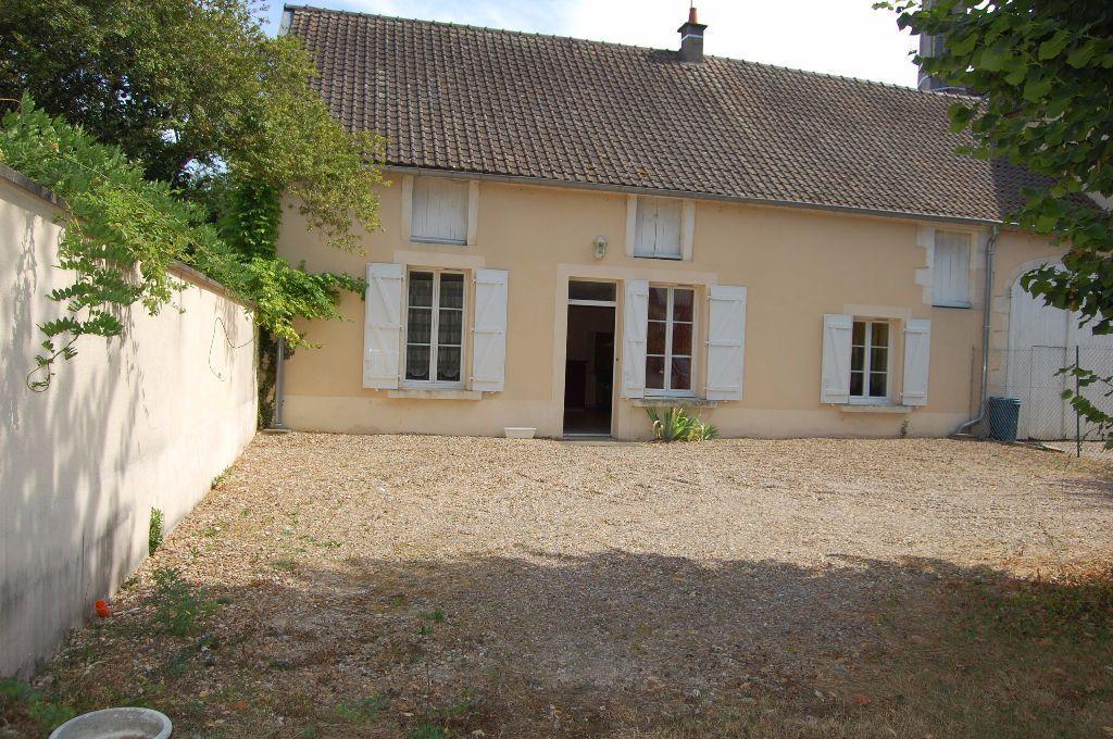 Maison à louer 4 85m2 à Saint-Satur vignette-1