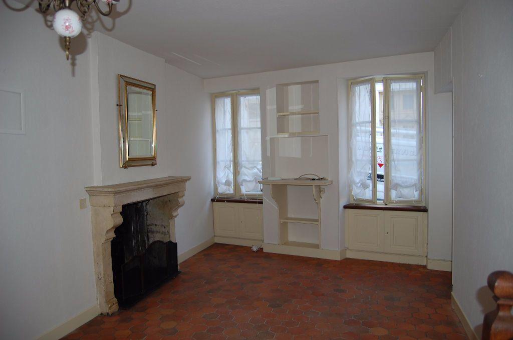 Maison à louer 3 82m2 à Sancerre vignette-1