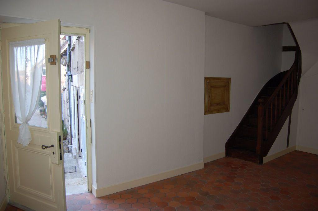 Maison à louer 3 82m2 à Sancerre vignette-2