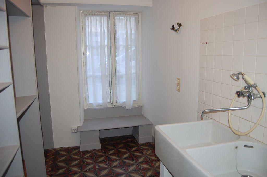 Maison à louer 3 82m2 à Sancerre vignette-16