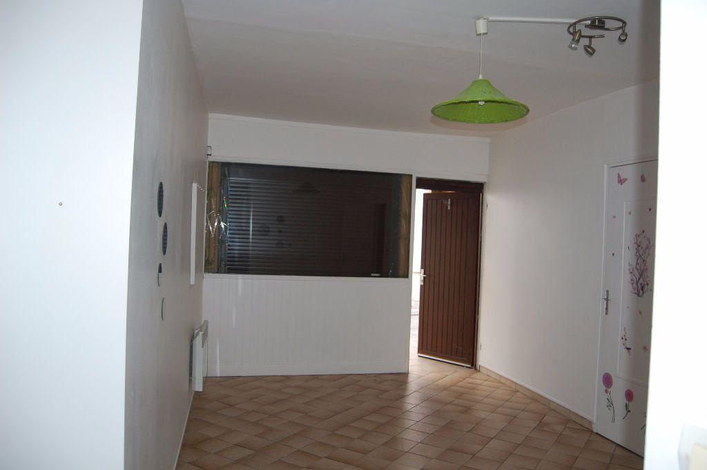 Appartement à louer 2 37m2 à Sancerre vignette-1