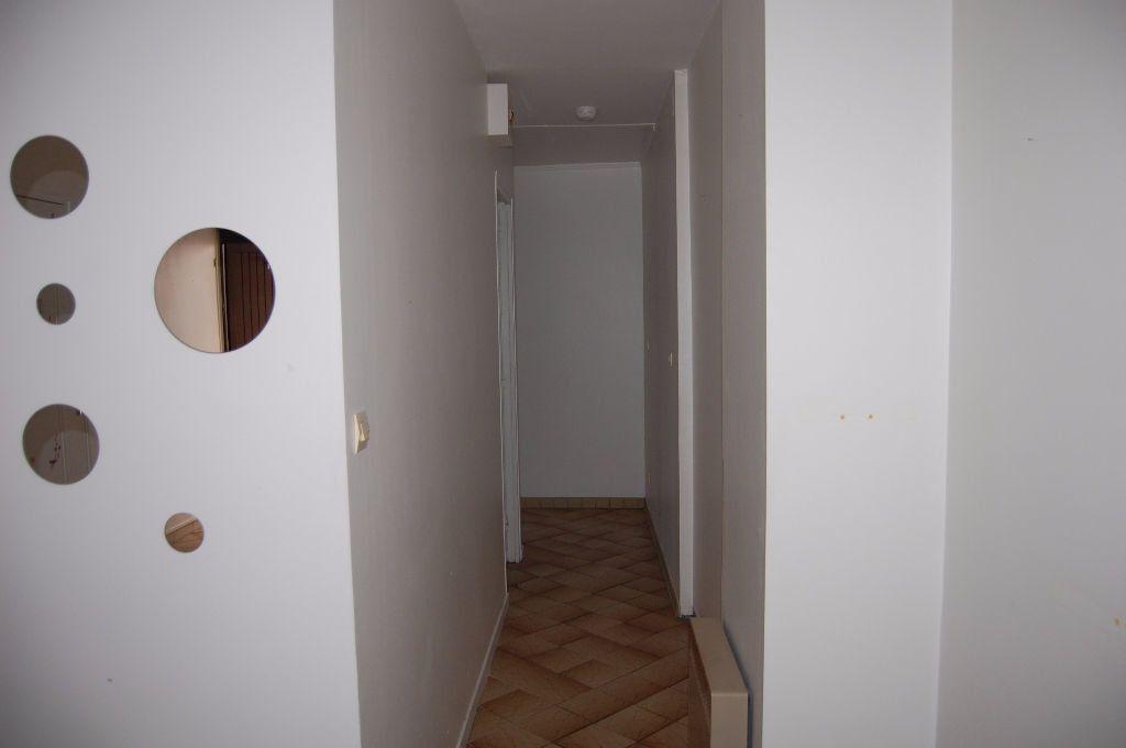 Appartement à louer 2 37m2 à Sancerre vignette-4