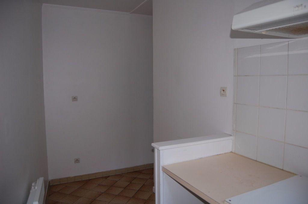 Appartement à louer 2 37m2 à Sancerre vignette-8