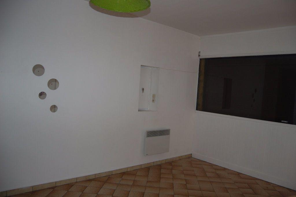 Appartement à louer 2 37m2 à Sancerre vignette-9