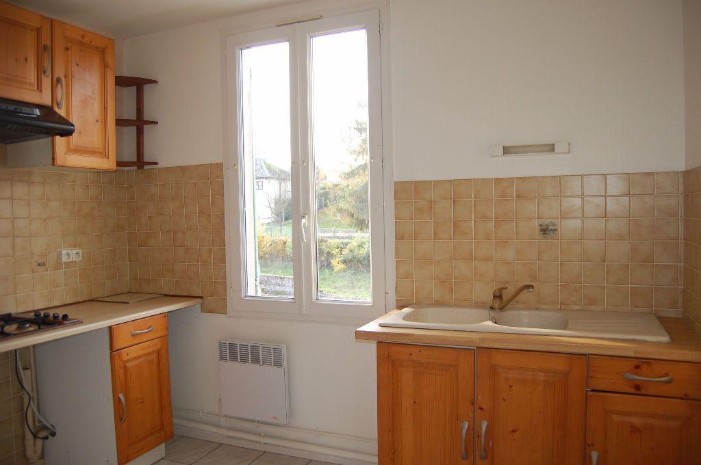 Appartement à louer 3 65m2 à Saint-Satur vignette-2