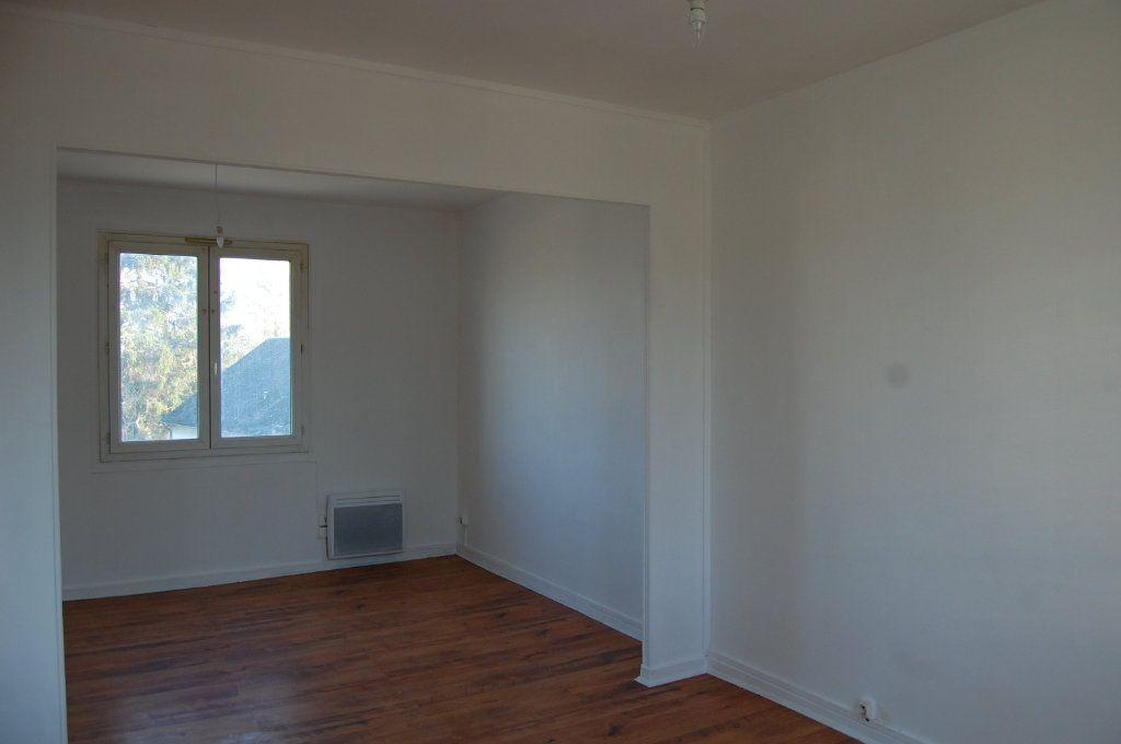 Appartement à louer 3 65m2 à Saint-Satur vignette-4
