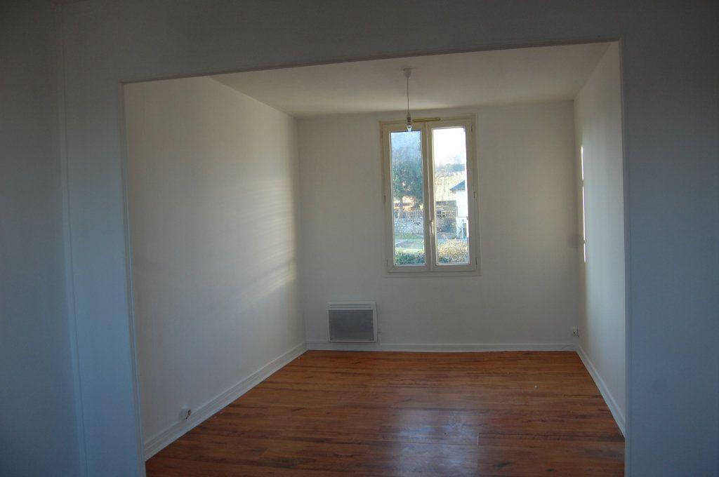 Appartement à louer 3 65m2 à Saint-Satur vignette-5