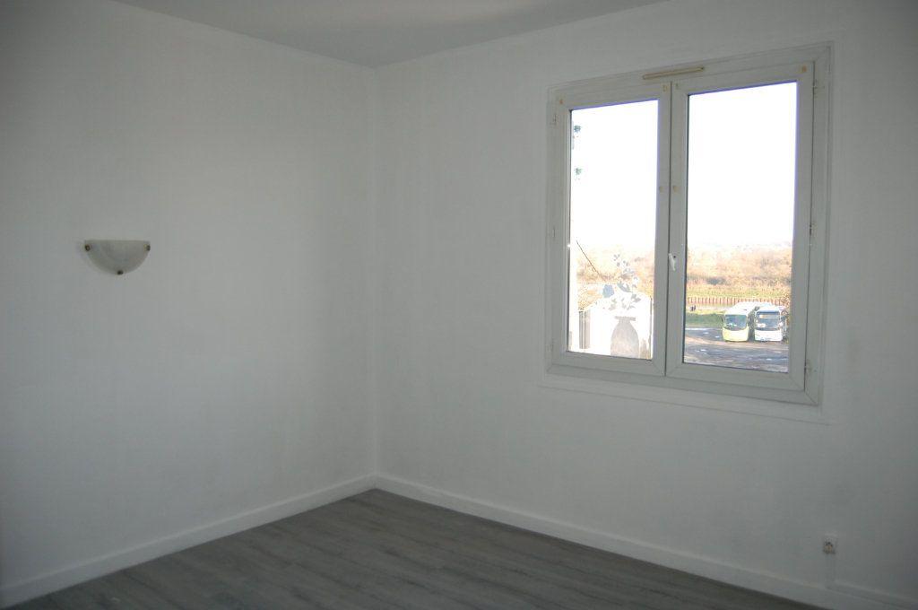 Appartement à louer 3 65m2 à Saint-Satur vignette-7