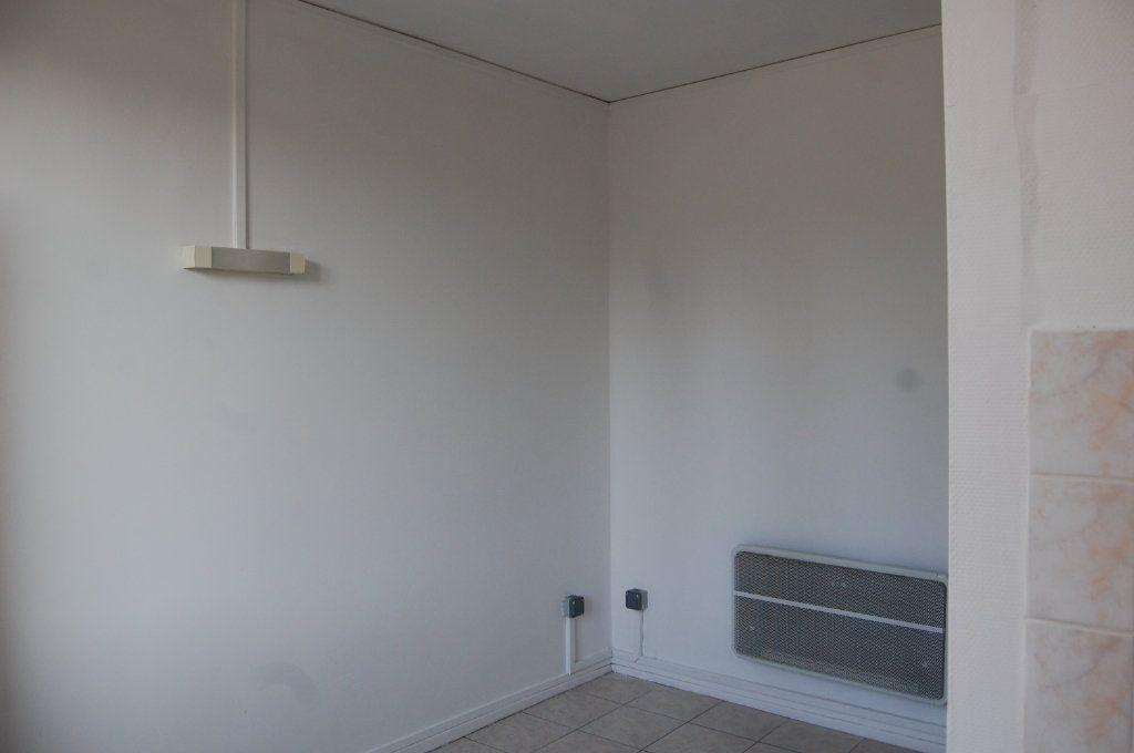 Appartement à louer 3 65m2 à Saint-Satur vignette-12