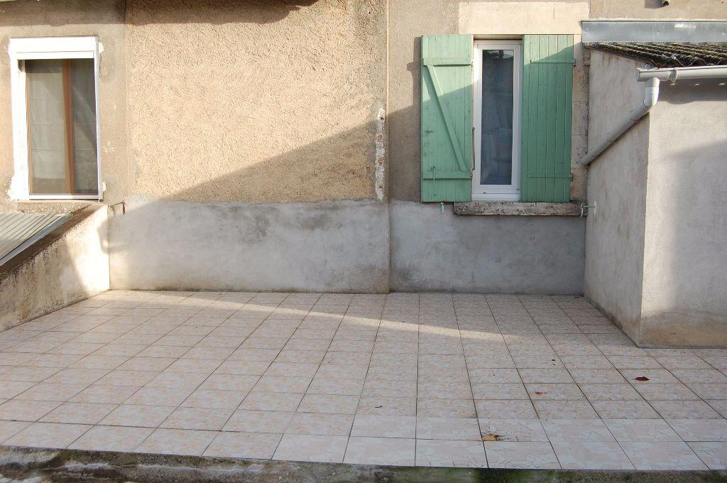 Appartement à louer 3 65m2 à Saint-Satur vignette-16