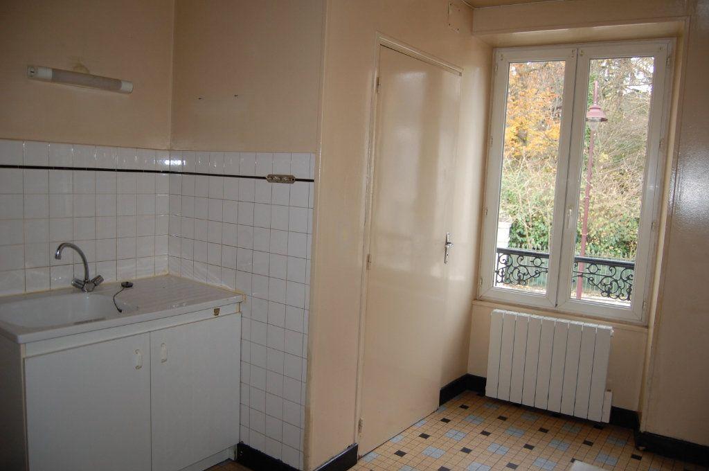 Appartement à louer 2 24m2 à Saint-Satur vignette-1