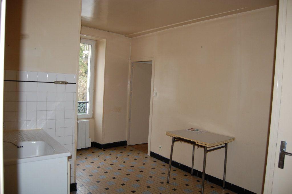 Appartement à louer 2 24m2 à Saint-Satur vignette-3