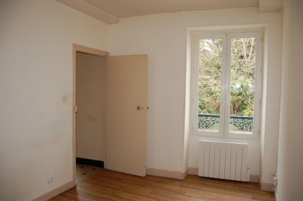 Appartement à louer 2 24m2 à Saint-Satur vignette-4