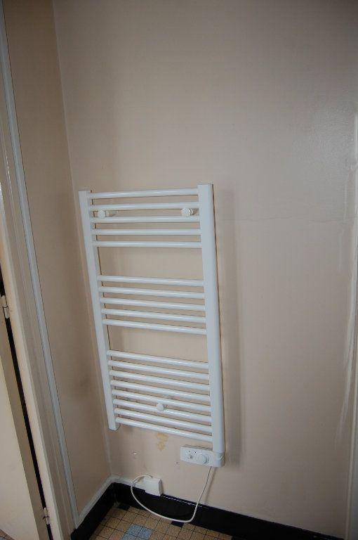 Appartement à louer 2 24m2 à Saint-Satur vignette-12