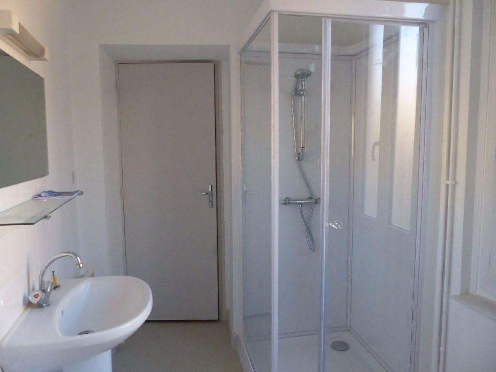 Appartement à louer 2 47m2 à Cosne-Cours-sur-Loire vignette-6