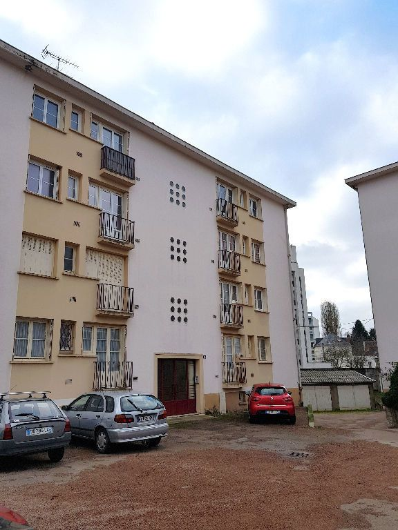 Appartement à vendre 4 76m2 à Nevers vignette-1