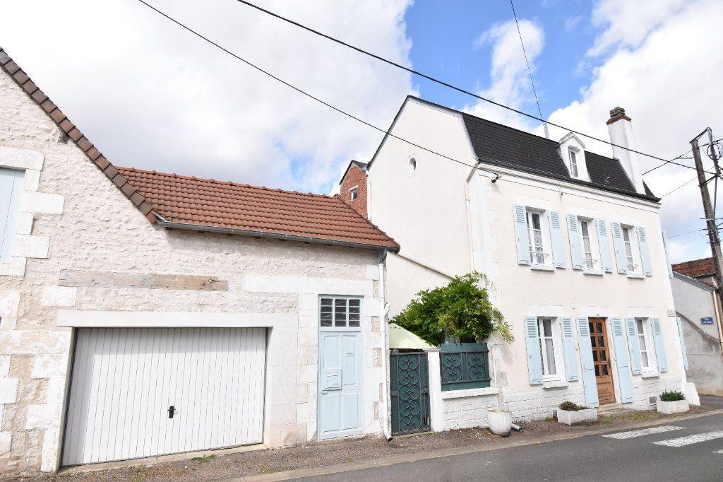 Maison à vendre 4 105m2 à Pouilly-sur-Loire vignette-2