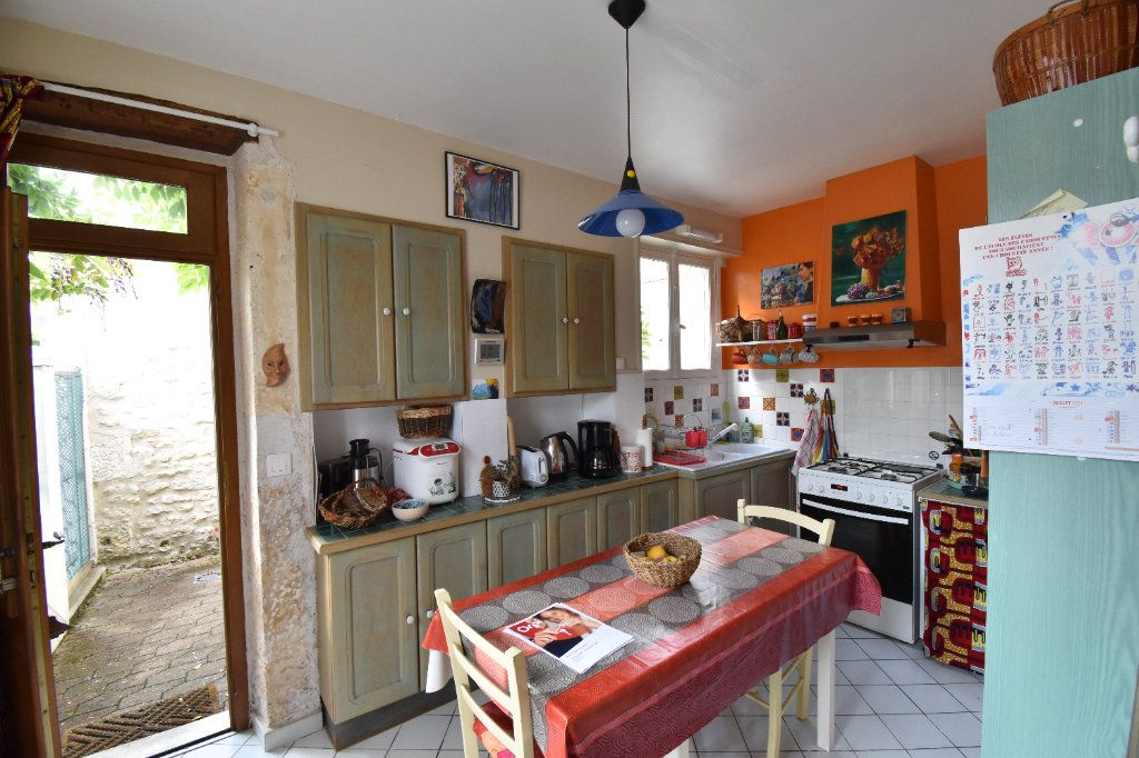 Maison à vendre 4 105m2 à Pouilly-sur-Loire vignette-3