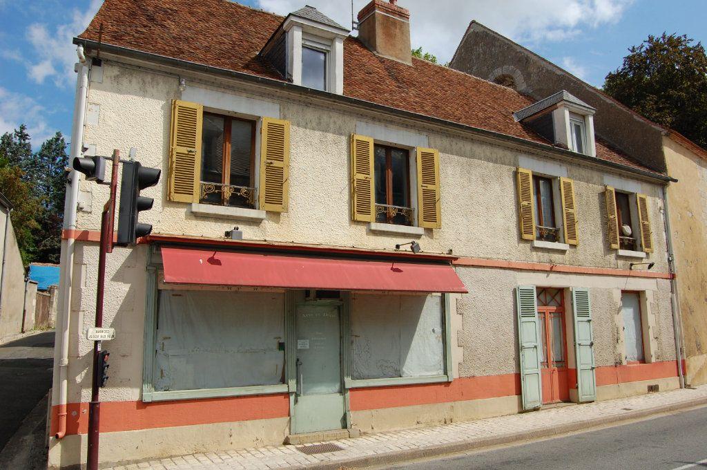 Immeuble à vendre 0 210m2 à Saint-Satur vignette-1
