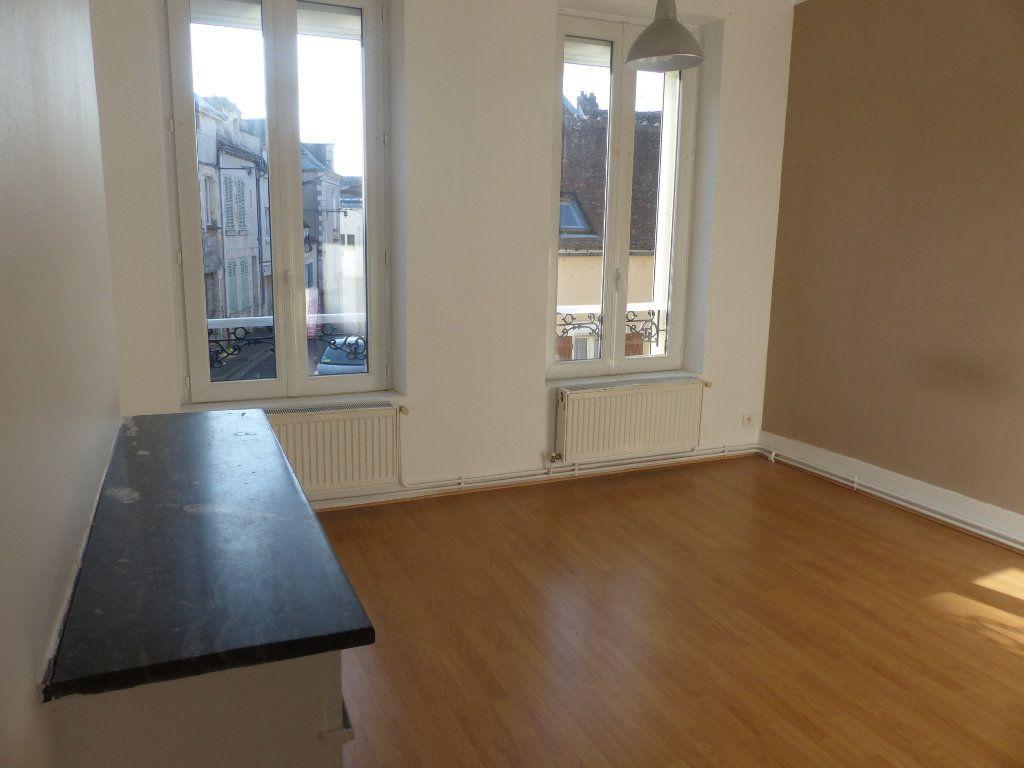 Appartement à louer 2 44m2 à Cosne-Cours-sur-Loire vignette-7
