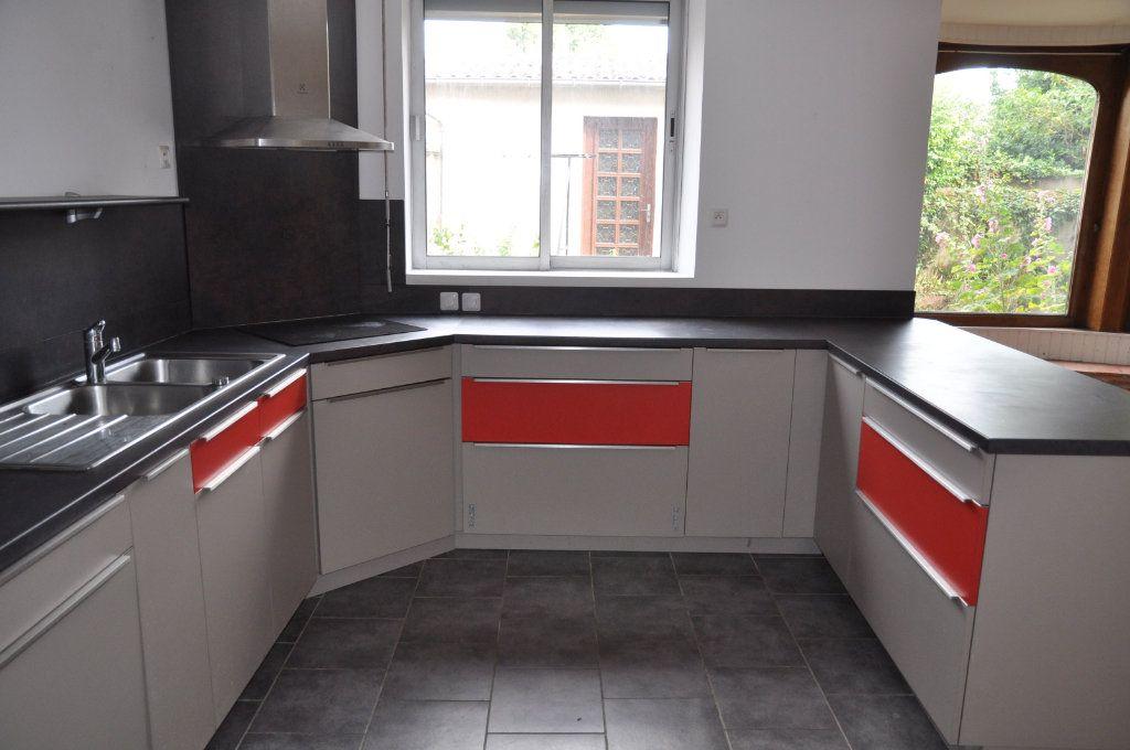 Maison à vendre 6 147m2 à Cosne-Cours-sur-Loire vignette-4