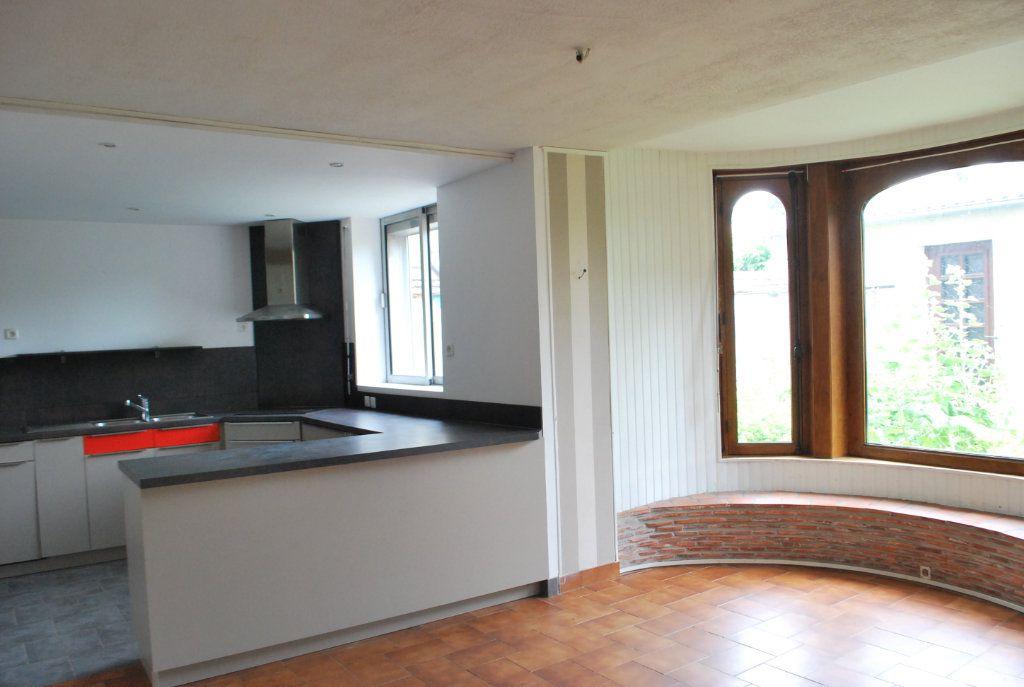 Maison à vendre 6 147m2 à Cosne-Cours-sur-Loire vignette-5