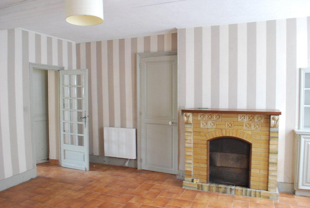 Maison à vendre 6 147m2 à Cosne-Cours-sur-Loire vignette-9
