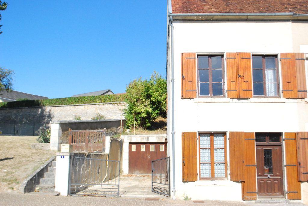 Maison à vendre 3 70m2 à Alligny-Cosne vignette-1