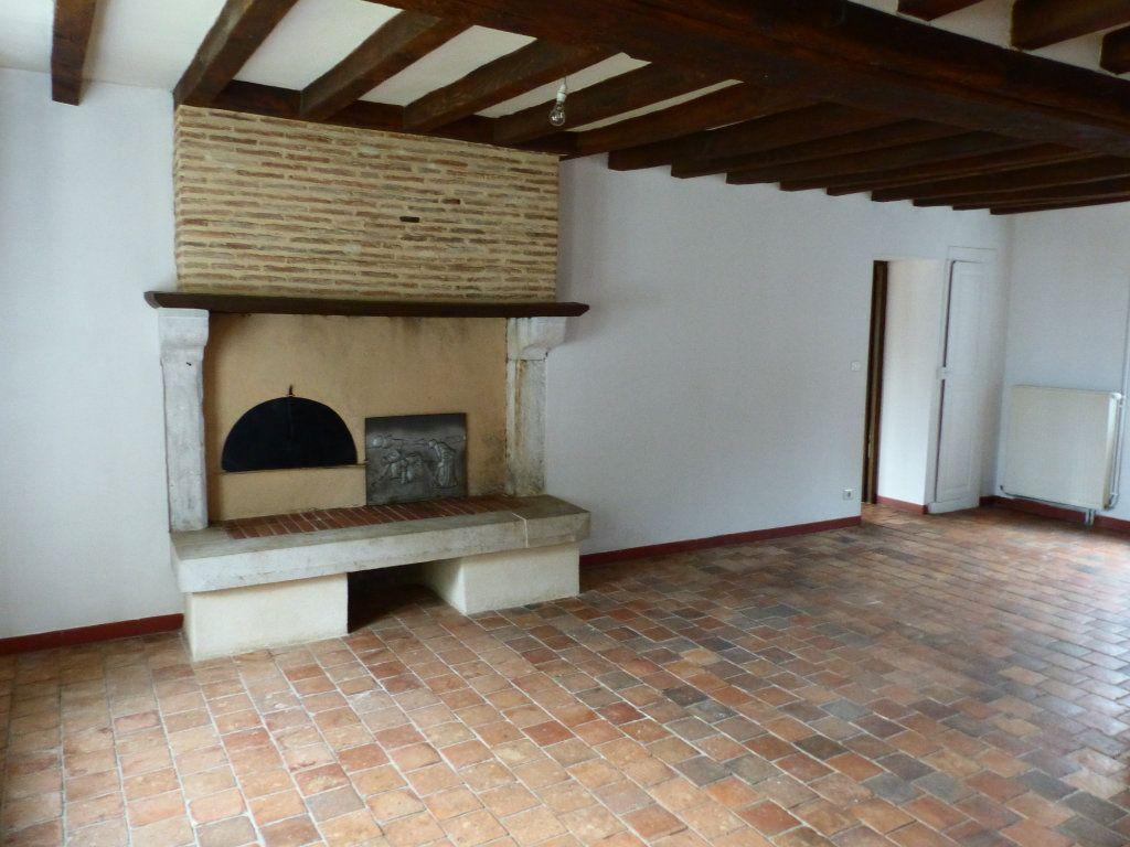 Maison à louer 5 123m2 à Beaulieu-sur-Loire vignette-4