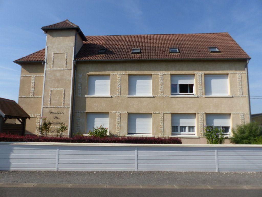 Appartement à louer 3 133m2 à Cosne-Cours-sur-Loire vignette-2