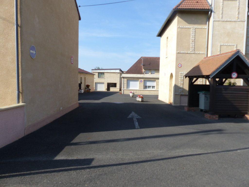 Appartement à louer 3 133m2 à Cosne-Cours-sur-Loire vignette-4