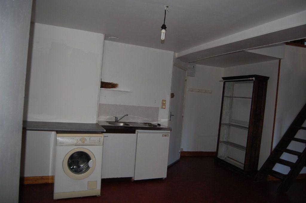 Appartement à louer 2 45m2 à Sancerre vignette-1