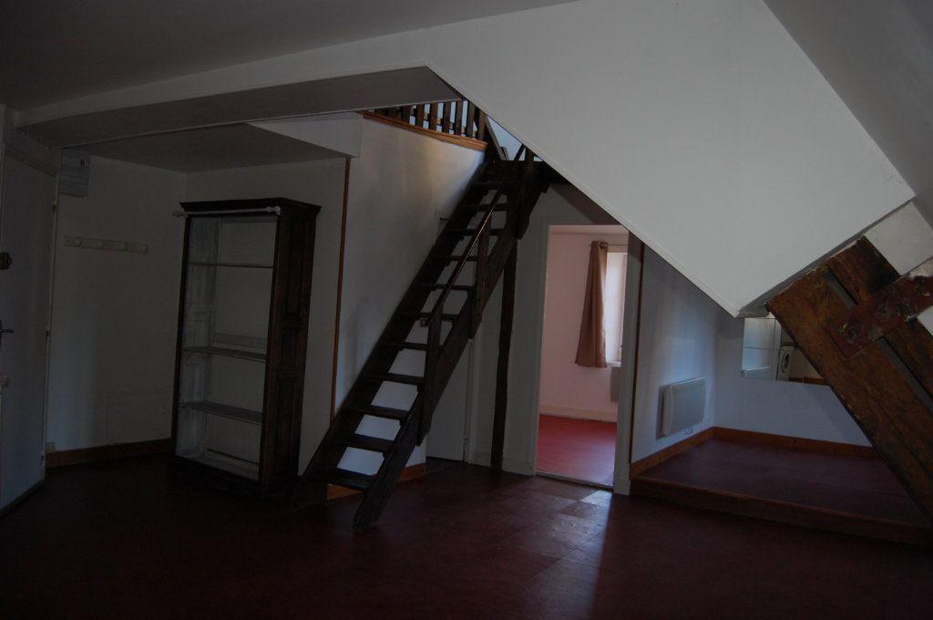 Appartement à louer 2 45m2 à Sancerre vignette-6