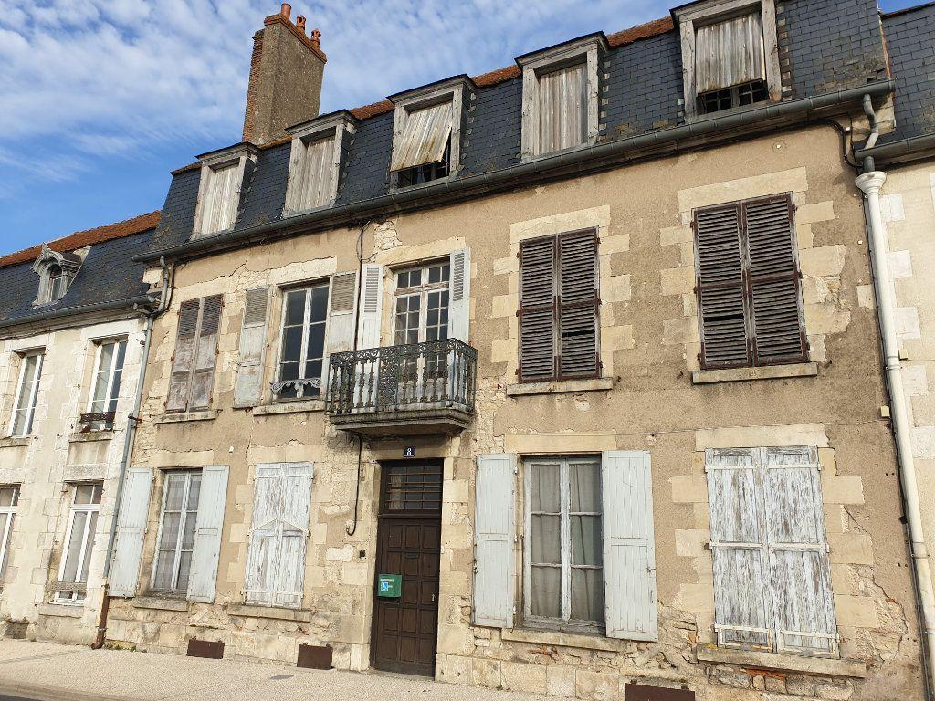 Maison à vendre 11 319m2 à La Charité-sur-Loire vignette-1
