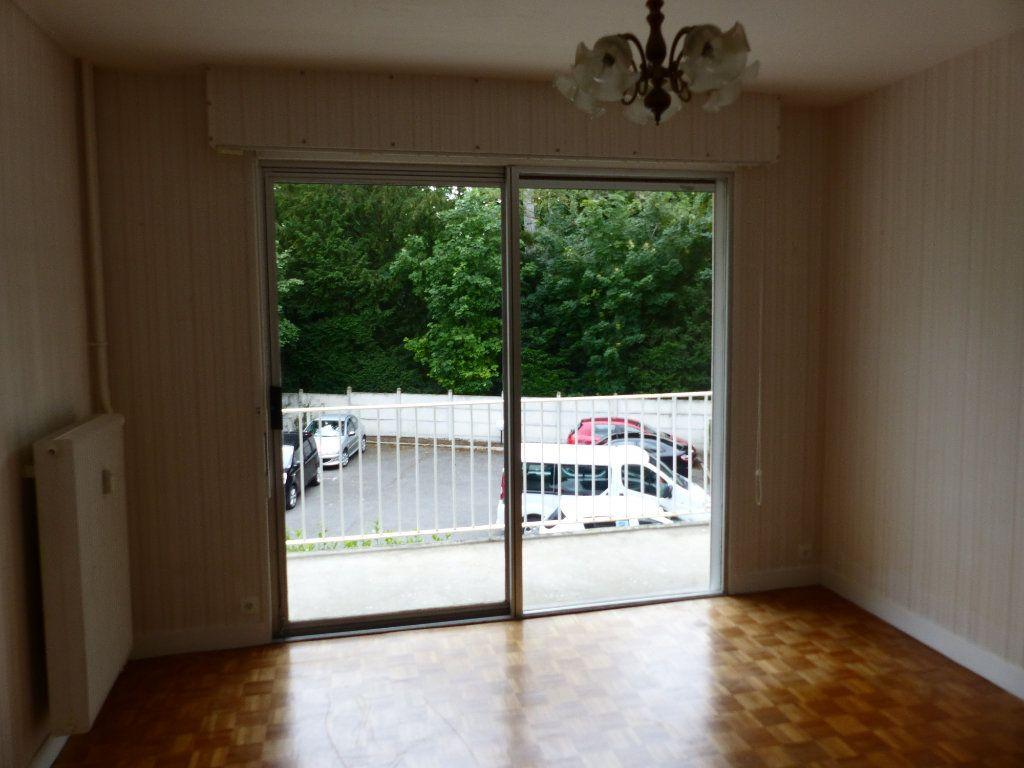 Appartement à louer 2 43m2 à Cosne-Cours-sur-Loire vignette-9