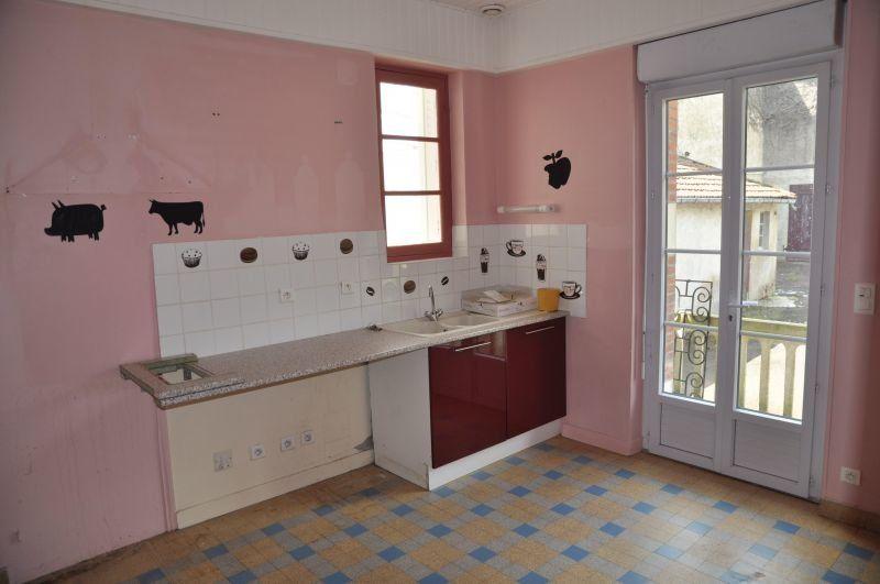 Maison à louer 6 123m2 à Neuvy-sur-Loire vignette-2