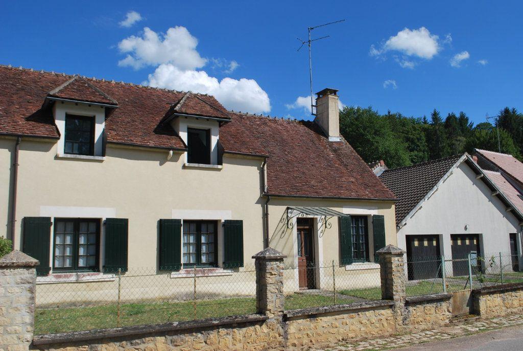 Maison à vendre 6 123m2 à Cessy-les-Bois vignette-1