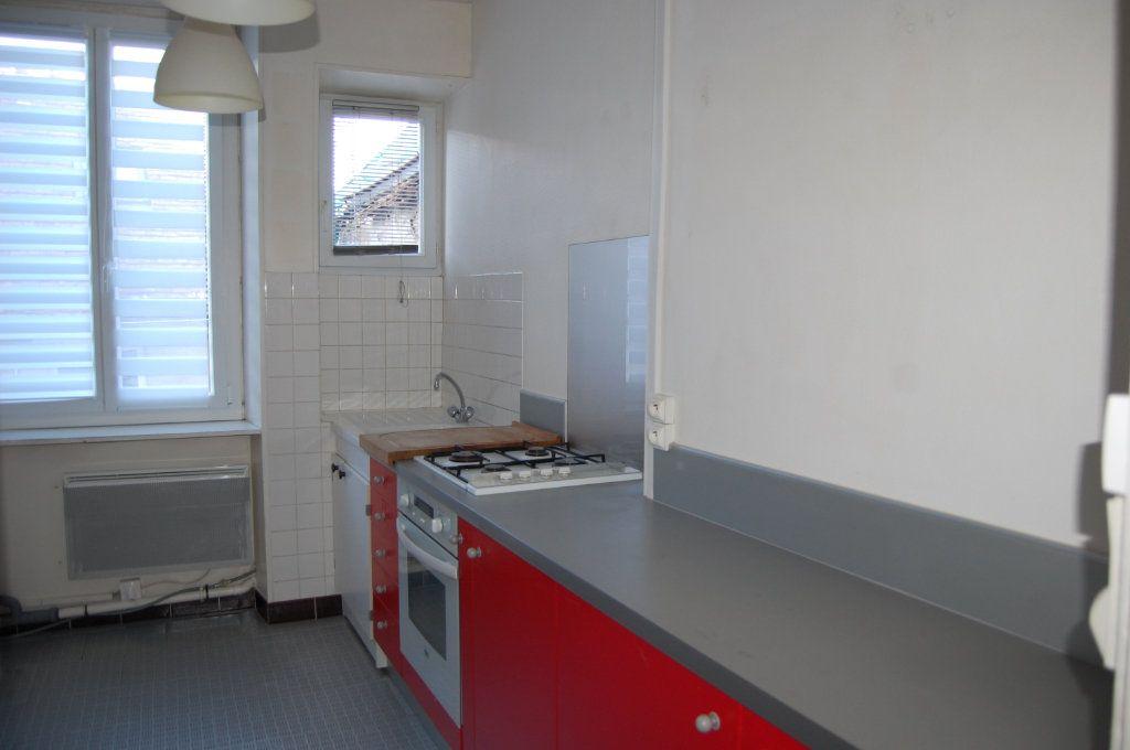 Appartement à louer 3 76m2 à Sancerre vignette-5