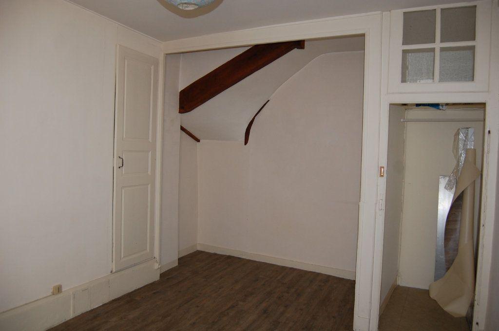 Appartement à louer 3 76m2 à Sancerre vignette-9