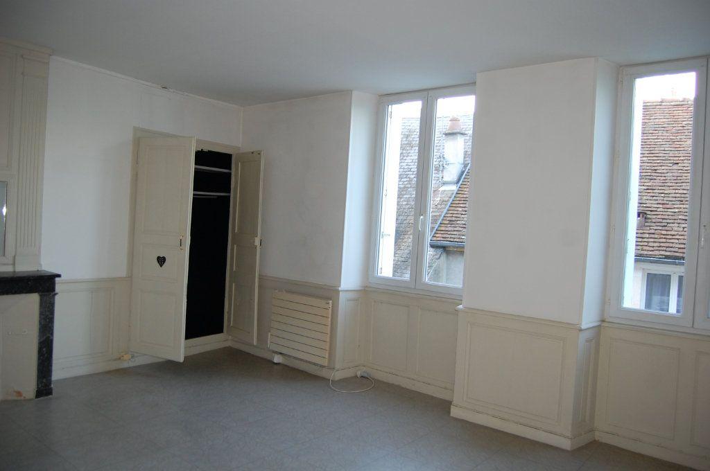 Appartement à louer 3 76m2 à Sancerre vignette-10