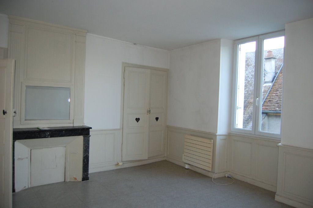 Appartement à louer 3 76m2 à Sancerre vignette-12