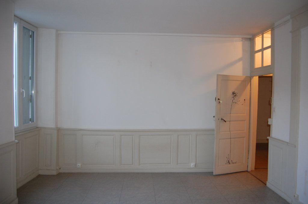 Appartement à louer 3 76m2 à Sancerre vignette-13
