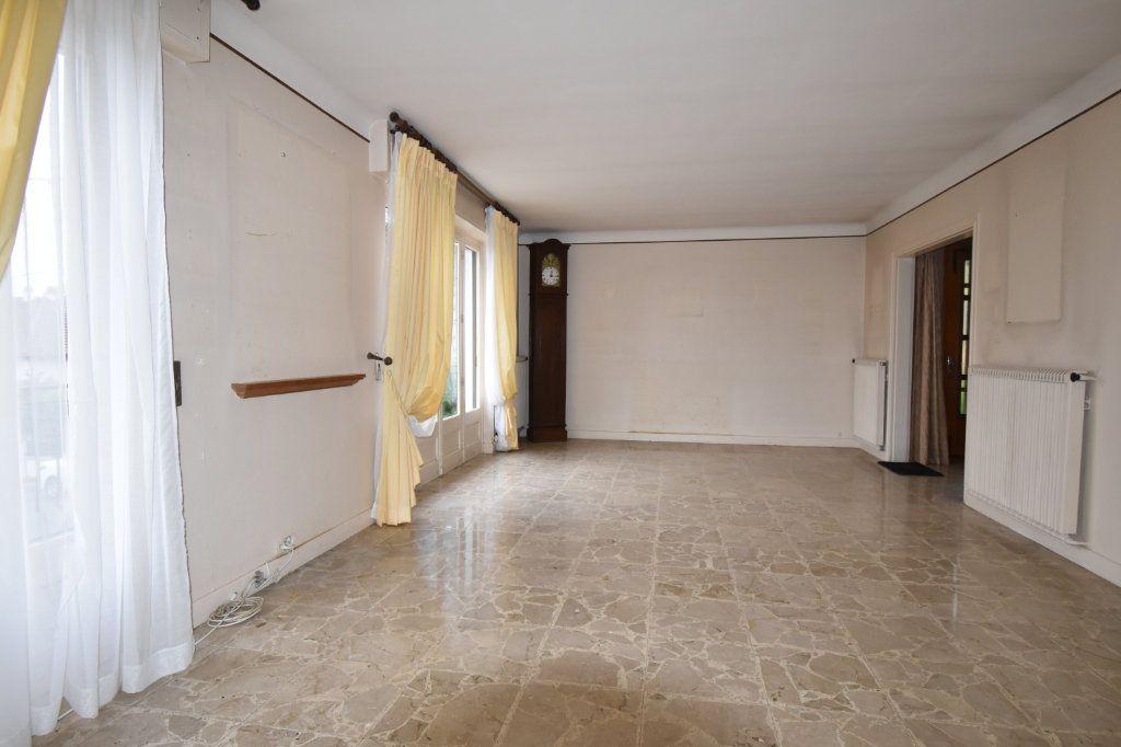 Maison à vendre 8 187m2 à Cosne-Cours-sur-Loire vignette-3