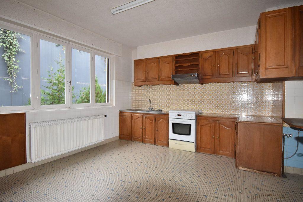 Maison à vendre 8 187m2 à Cosne-Cours-sur-Loire vignette-4