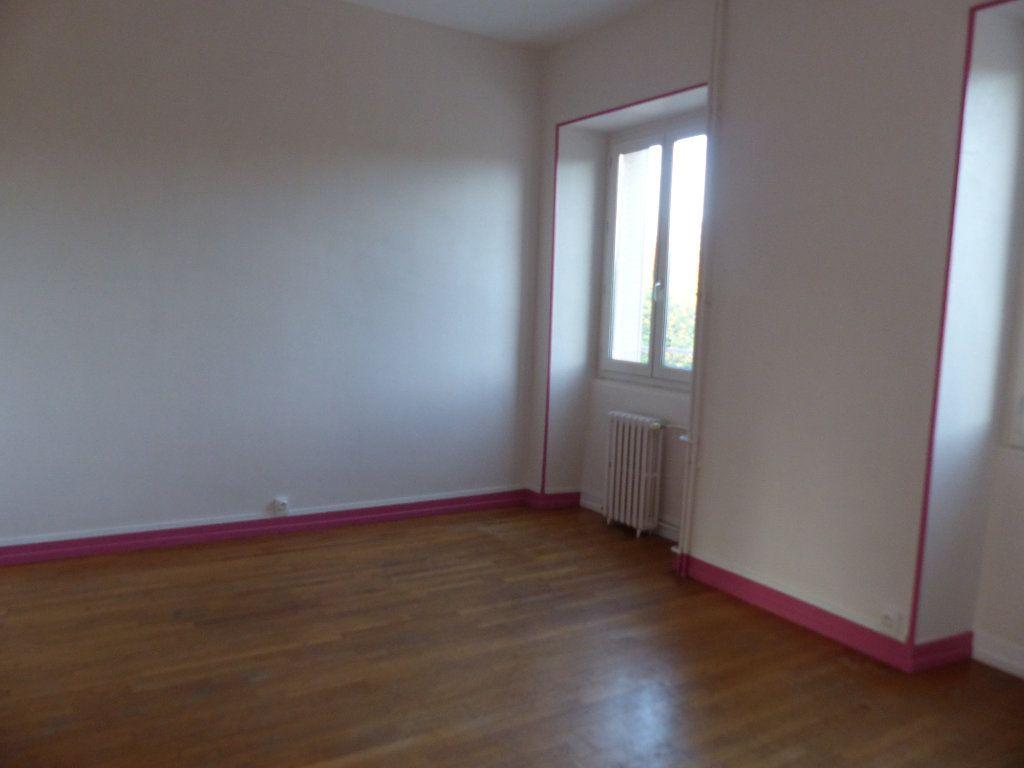 Appartement à louer 3 78m2 à Donzy vignette-1