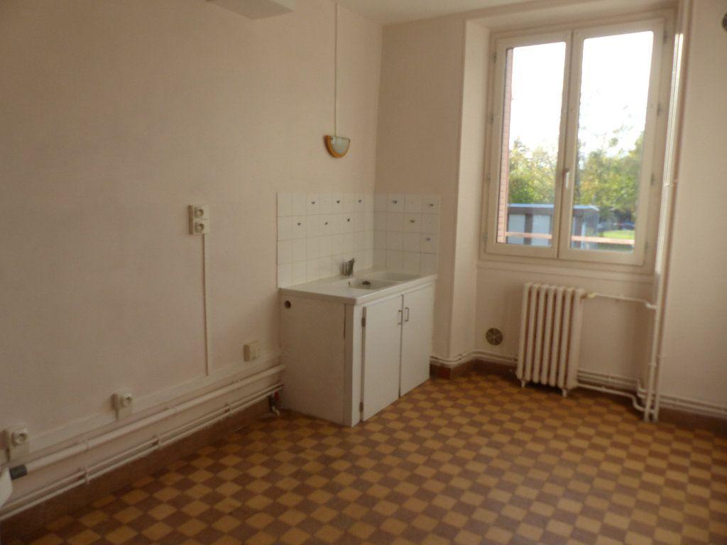 Appartement à louer 3 78m2 à Donzy vignette-2
