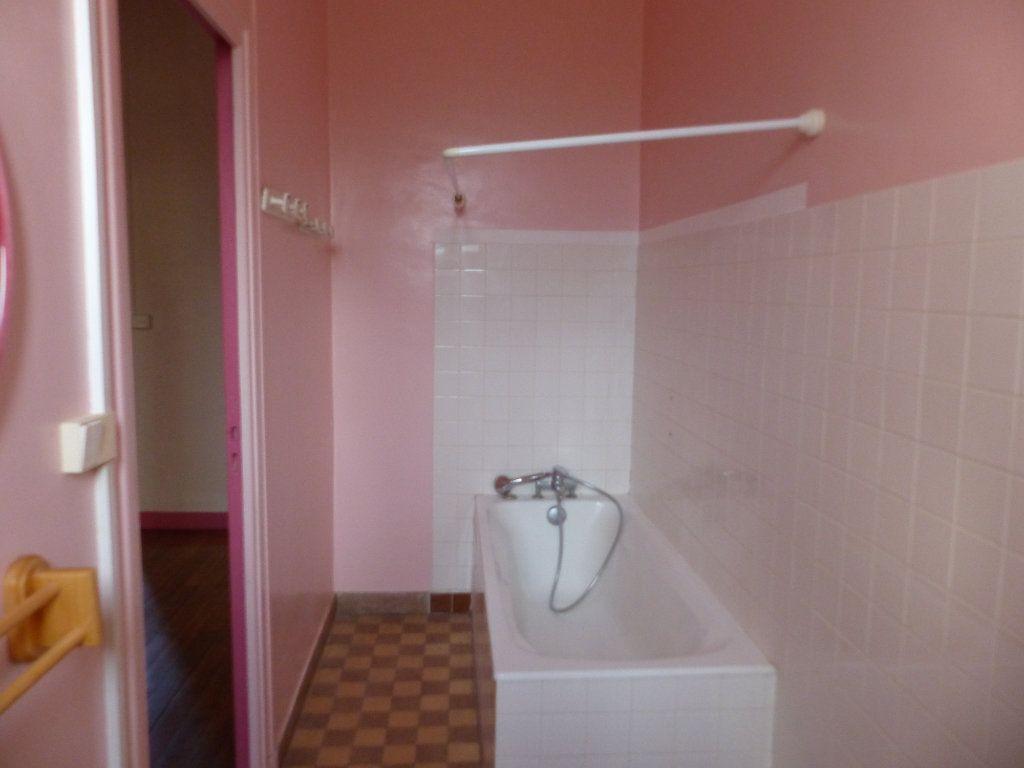 Appartement à louer 3 78m2 à Donzy vignette-6