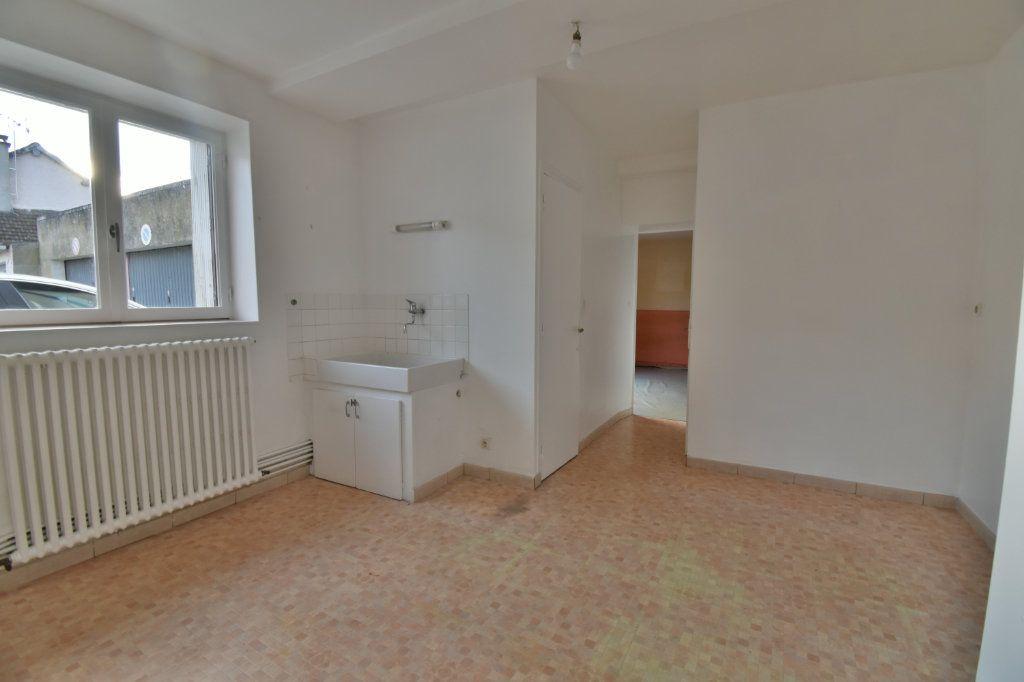 Maison à vendre 3 76m2 à Cosne-Cours-sur-Loire vignette-3