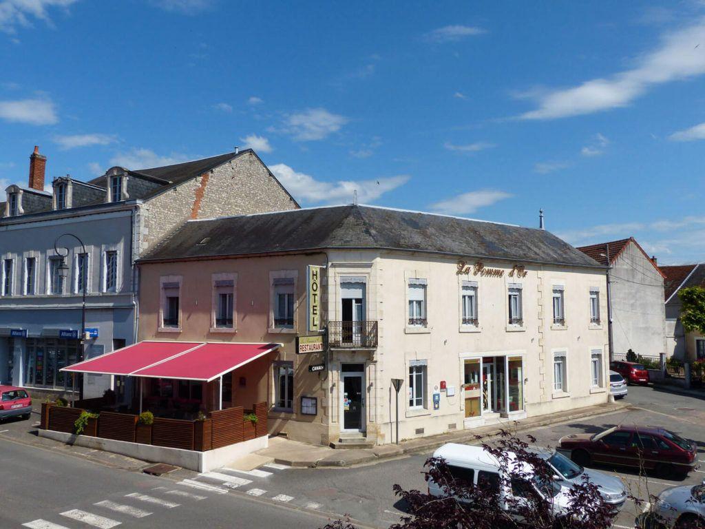 Maison à vendre 11 360m2 à La Charité-sur-Loire vignette-1