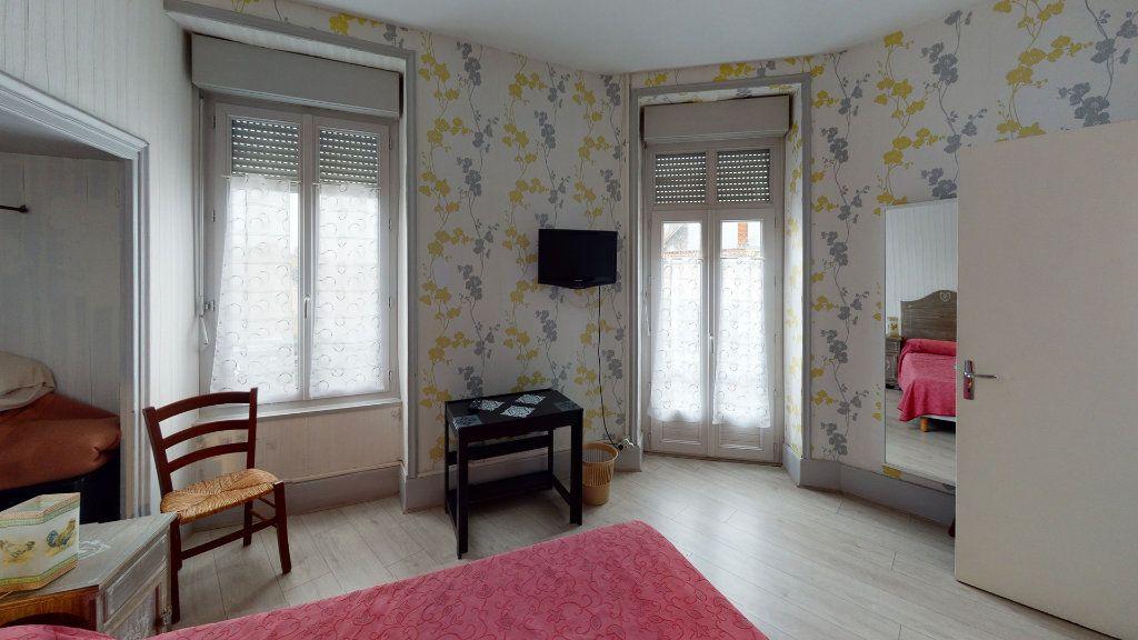 Maison à vendre 11 360m2 à La Charité-sur-Loire vignette-3